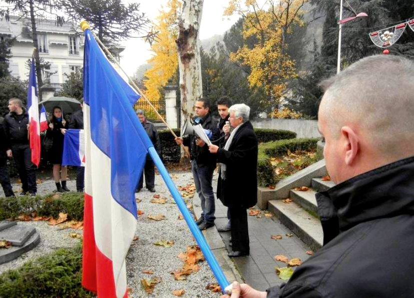 hommage_drapeau_tricolore_foix_fn